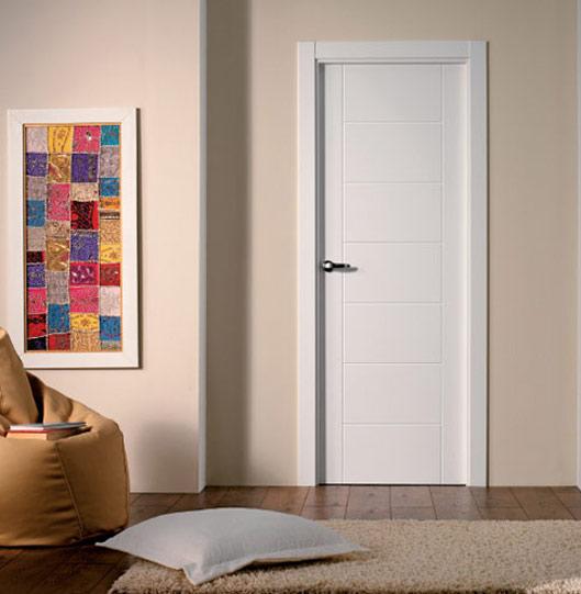 Puertas blancas San Pedro de Alcantara